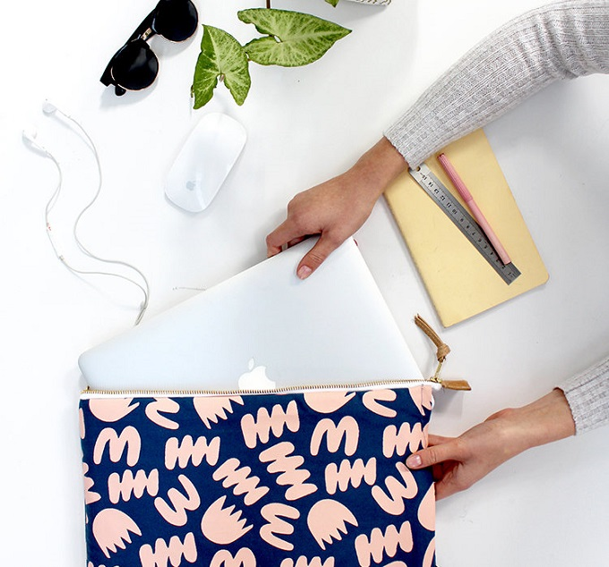 Bunch Blue Laptop Sleeve - Zana Products