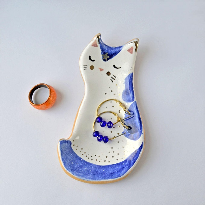 Ceramic Cat Dish - Mrs Bisquit Art