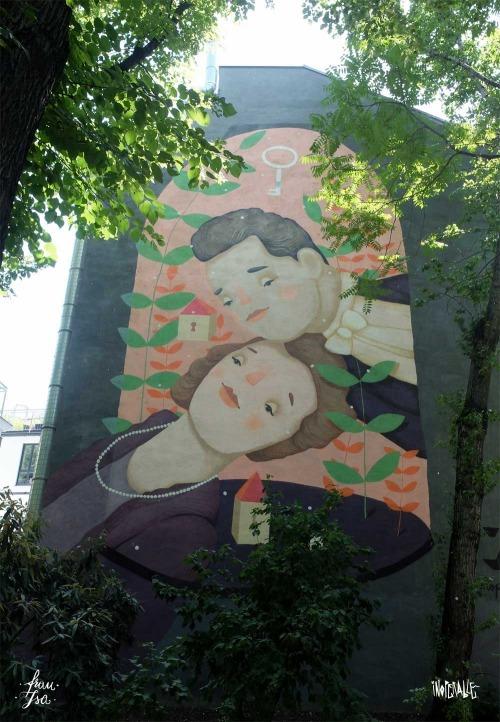 Frau Isa street art mural in Vienna