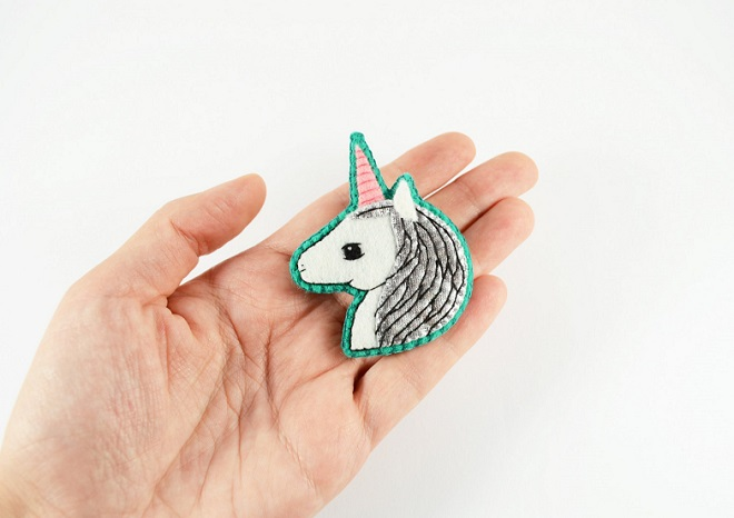 Unicorn Brooch / Hanaletters