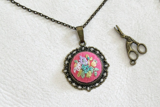 Embroidered Necklace / Itty Bitty Bunnies