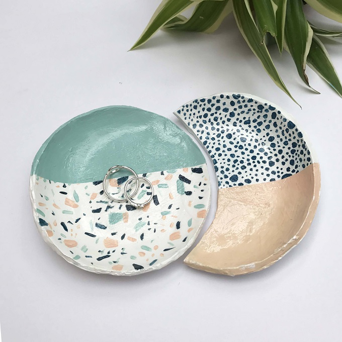 Interlocking Speckled Ring Dishes - Amber Davenport