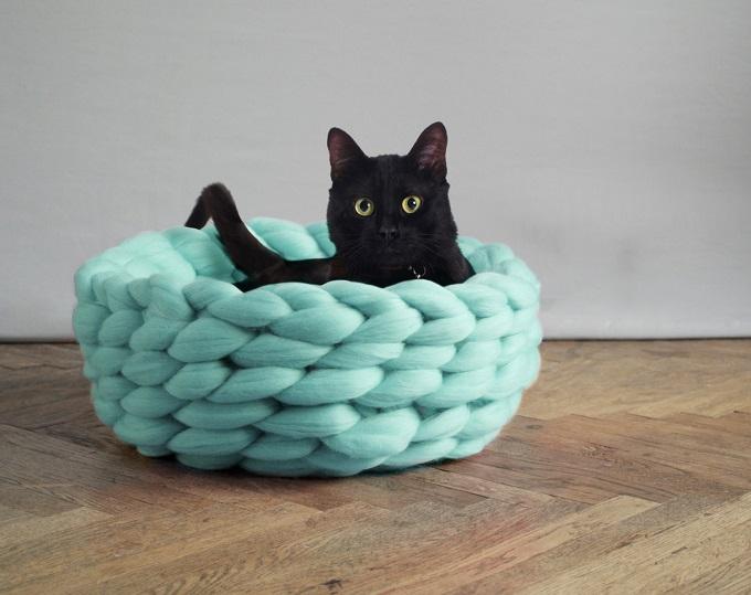 Lush Pet Bed - Ohhio