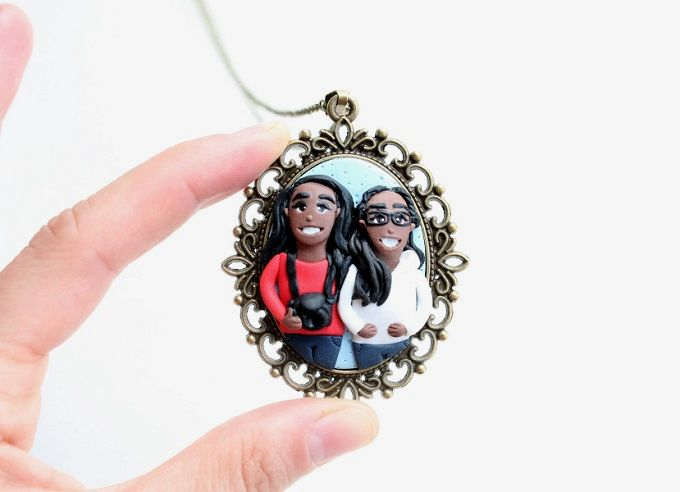 Custom Portraits on Pendants by Nicomade