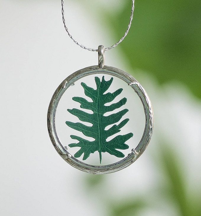 Philodendron Necklace - Little Ray of Sunflower