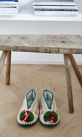 Folksy Slippers / Plumo