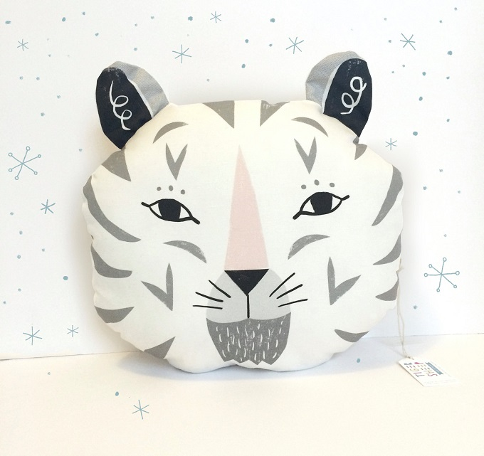 Snow Tiger Pillow - Tigersheep Friends