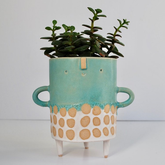 Spotted Tripod Vase - Atelier Stella