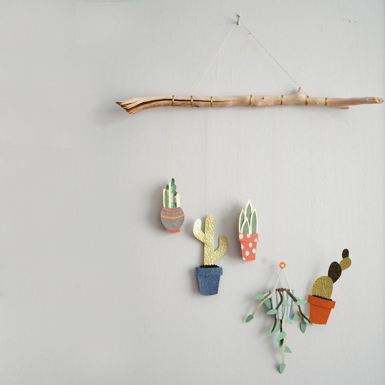 Plant Wall Hanging / Tara Galuska