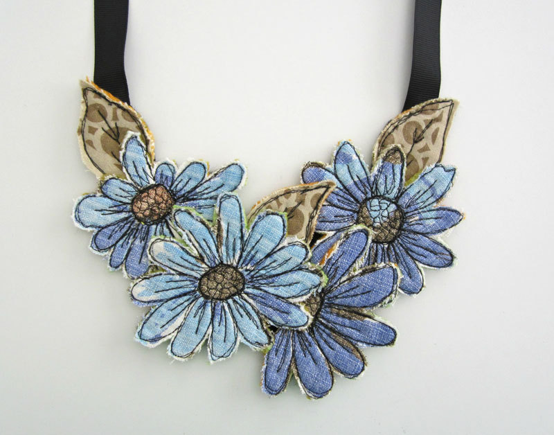 Textile necklace / A little Vintage